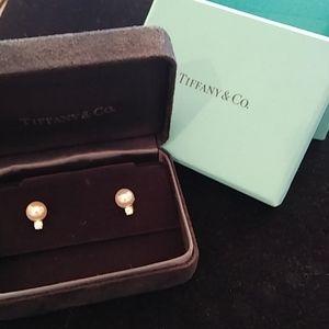 Tiffany Signature Pearls